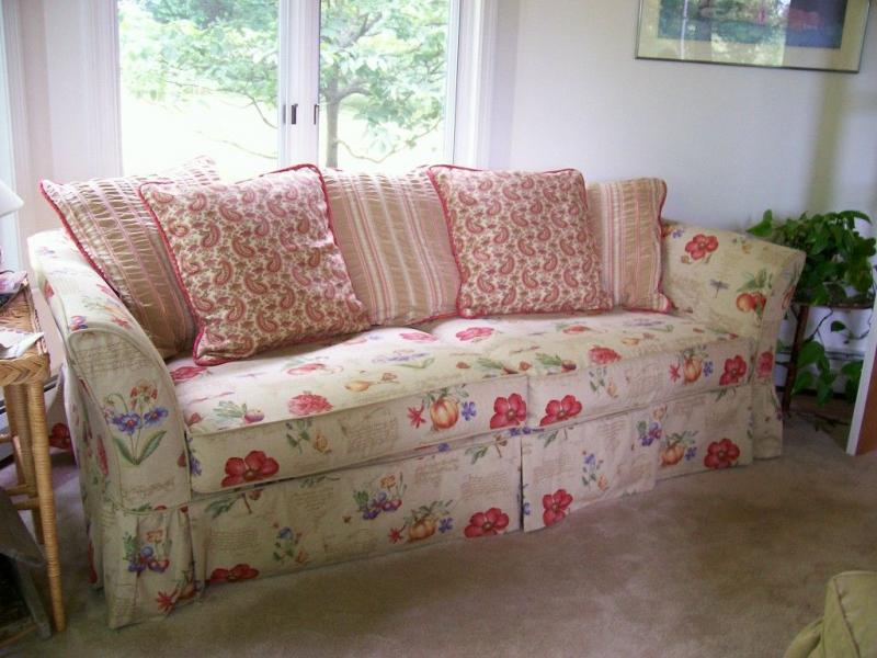 Shabby Chic Slipcovers For Sofas Tricia S Custom Made Slipcovers Shabby Chic Thesofa